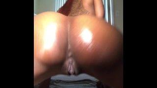 Cheekzs100 naked twerk (booty clap)